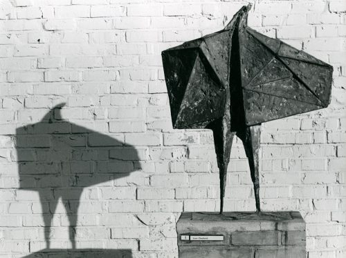 Alfred Ehrhardt, Lynn Chadwick, The Stranger, documenta 2, 1959, © Alfred Ehrhardt Stiftung