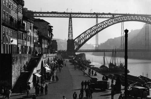 Alfred Ehrhardt, Große Brücke, Porto, Portugal, 1951, © bpk / Alfred Ehrhardt Stiftung